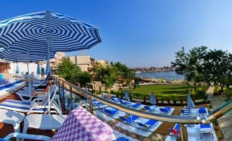 Романтична почивка в Созопол! Нощувка със закуска за двама, плюс басейн