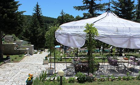 Лято край Костенец - Пчелински бани! 3, 4 или 5 нощувки на база All Inclusive за един или двама, плюс релакс зона