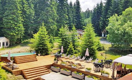 Цяло лято в Боровец! Нощувка с възможност за закуска и вечеря, плюс басейн и сауна