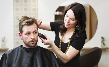 Мъжко или дамско подстригване, измиване и плитка или букли, или боядисване с продукти на Matrix