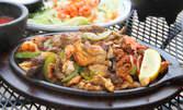 1.5кг плато със сочно месце на скара - свински вратни пържоли, пилешки пържоли от бут и суджук от кълцано месо