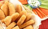 1100гр вкусно мезе! Плато с панирани пилешки хапки, пържени картофки и чеснов сос