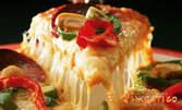 Пица по избор, плюс пържени картофки, или зелена салата с риба тон, плюс 3 вида наденички
