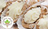 4 броя сицилиански домашни каноли, пълнени с вкусен крем от рикота и бадеми