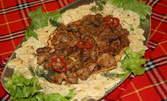 Вкусно за трима! 1200гр Паста Папионе с дробчета, сърчица и гъбки, плюс 3бр крем карамел