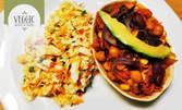 """Тортиля """"Веджик"""" със салата от китайско зеле и голяма бира MaDonna по избор"""