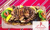 2.5кг Апетитно месно плато на дъска, с пилешко и свинско месце и пържени картофки