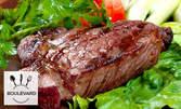 Плато със свинска и пилешка пържола, наденица, плескавица, лютеница и пържени картофки