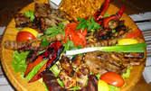 1500гр месно плато, плюс зеленчуци, картофени спиралки и 1л вино