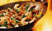 Азиатска кухня за двама - 2 салати, 1 основно и 2 десерта, по избор