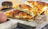 Хапване за вкъщи! Домашна бисквитена торта, мекици или баница