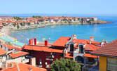 В разгара на лятото и само на минута от плажа в Созопол! 3 или 5 нощувки със закуски за двама, плюс малък басейн