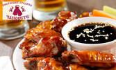 Панирани пилешки крилца с барбекю сос