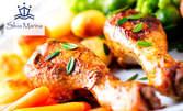 1.5кг пилешки крилца на скара, плюс пържени картофки, BBQ сос и 2 домашни пърленки с масло