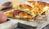 20 хапки банички - със сирене или шунка и кашкавал