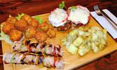 1140гр плато за приятели! Пилешка пържола, свински шишчета, хрупкави броколи и сотирани картофки