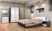 Обзаведете се със спален комплект Жаклин S! Спалня, нощни шкафчета, гардероб, скрин и огледало