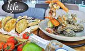 1.1кг плато с хрупкави попчета, шиш със скариди, калмари и зеленчуци, салата от миди, катък и брускети от патладжан