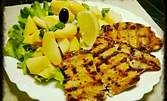 Свински флейки на скара, плюс гарнитура и десерт по избор