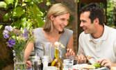 Избери предястие - свински жулиени, сиренца или калмар, плюс чаша бяло или червено вино