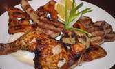 1кг плато от пилешко бутче и крилца, кебапче, кюфте, свински каренца и лук