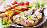 Салата по избор и пържени картофки, плюс пилешки жулиен или свинска пържола от врат