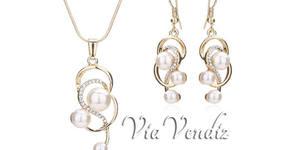 """Стилен комплект бижута """"Златно желание"""" - колие и обеци с австрийски кристали и перли"""