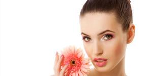 Дълбоко почистване на лице, плюс шоколадова терапия и масаж