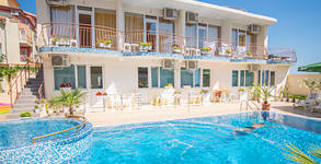 Семеен хотел Бохеми**
