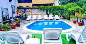 Хотел Тодорини къщи**
