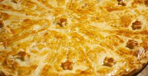 Солен пай с пълнеж по избор или домашен качамак с масло и сирене