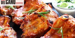 1.1кг апетитно хапване на BBQ! Свински ребърца и пилешки пържолки от бут, плюс печени картофки по селски