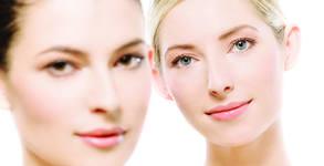 Четков пилинг на лице с крем скраб - без или със освежаваща маска според типа кожа