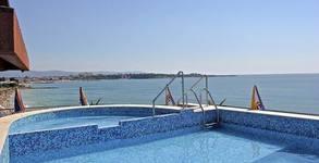 На море в Равда! 3 нощувки със закуски и вечери за двама - със здравословно меню и тренировки, плюс басейн и аквапарк