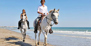 Разходка по брега на морето - с кон за възрастен или с пони за дете