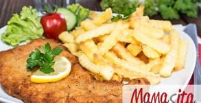 Виенски шницел с билково масло и домашно пържени картофи, плюс салата по избор