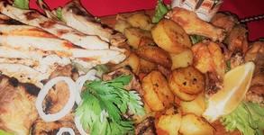 1.6кг плато за футболни фенове! Свински ребърца на скара, пилешко филе и крилца, картофки и лютеница