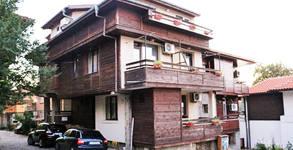 Къща за гости Лилия***