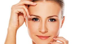 Бадемов пилинг на лице, плюс биолифтинг на околоочен контур и мезотерапия на лице и шия