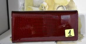Дамско портмоне от естествена кожа - модел и цвят по избор
