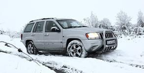 Лека офроуд разходка с Jeep Grand Cherokee и инструктор