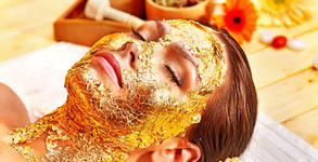 Златна грижа за лице! Лифт масаж и алгинатна маска, или ултразвукова и крио терапия за лице със серуми и масаж