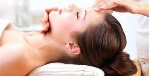 Anti-age терапия на лице с ензимен пилинг, ултразвук и маска, плюс регенериращ масаж на лице, шия и деколте