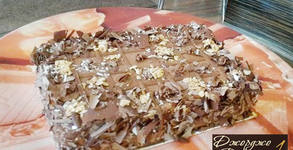 Шоколадова или боровинкова торта от палачинки