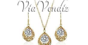 """Комплект бижута """"Прекрасна"""" - колие и обеци със златно покритие и австрийски кристали"""