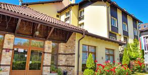Семеен хотел Божур***