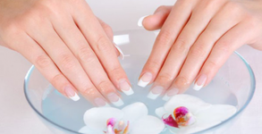 Маникюр с лак или гел лак, педикюр с гел лак или изграждане на нокти с гел, плюс ароматерапия