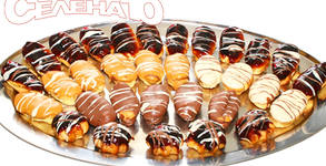 20 броя мини еклери с глазура по избор или шоколадова торта Брауни
