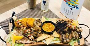 Пилешко суфле с бекон и кашкавал и зеленчуково ризото с маслини Каламата, или 1.64кг плато за компания