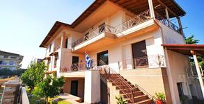 През Април, Май и Юни в Ставрос! 3, 4 или 5 нощувки в апартамент за до петима